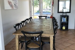 Rothbury-Escape-Hunter-Valley-Accommodation-Shared-Dining-Room